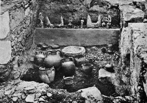 Святилище Двойных топоров в минойском храмовом комплексе в Кноссе, Крит